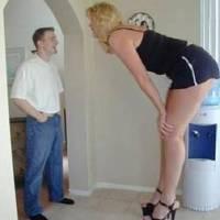 Мужчины любят маленьких женщин, а высокие женщины низких мужчин!