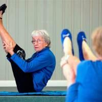 Старейший инструктор йоги