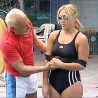 Связанная школьница переплыла Дарданеллы